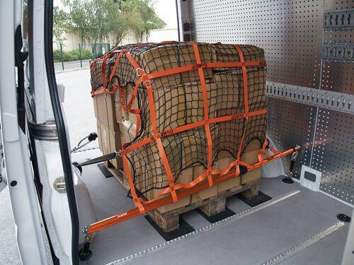 Ladungssicherungsnetze und -planen