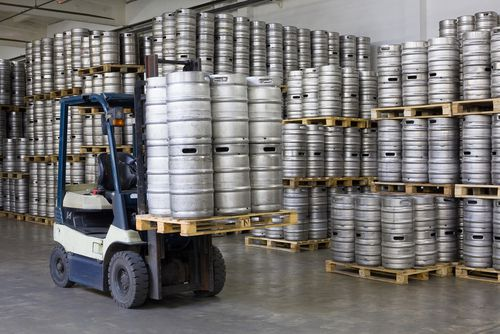 Getränketransport: So sichern Sie Ihre Getränkekisten richtig (VDI 2700 Blatt 12)
